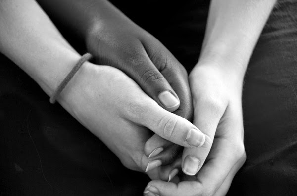 f7902-hands-of-friendship